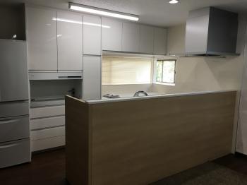L字型キッチンから、対面式オープンキッチンに