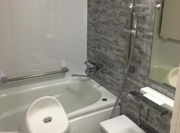 ほっカラリ床で快適な浴室になりました。