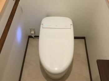 タンクレスで手洗い器も新設して快適な空間になりました。