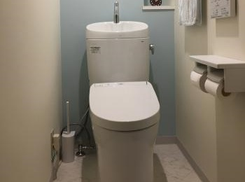 従来と比べて、深さが増して、手洗いしやすく、水はねしにくい手洗いボウルになりました。