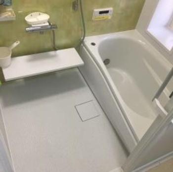 ほっカラリ床・エアインシャワー・魔法びん浴槽でとっても気持ちいい。