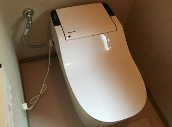 パナソニックの全自動おそうじトイレ「新型アラウーノ」