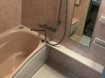 はっ水・はつ油技術で水も皮脂も弾き、汚れが付いてもお掃除簡単な人大浴槽。