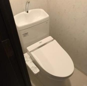 フチなし便座でお掃除しやすいトイレです。
