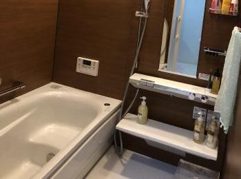 ほっカラリ床・エアインシャワー・魔法びん浴槽でとっても気持ちいい。毎日のおふろのしあわせを最大限にする『サザナ』