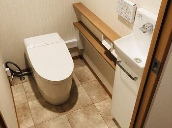 ネオレストと手洗器がセットに。既存の給排水管を利用してカンタンに手洗器を設置できるのでます。