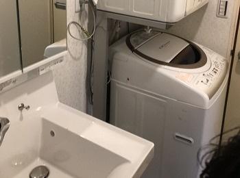 ひろびろボウル&くるくる水栓なら2人使いや水汲みもしやすいピアラです。