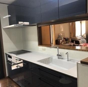 キッチンワークは毎日のこと。 だから「きれい除菌水」でいつも気持ちよく、清潔に。