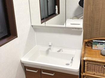 シンプルで使いやすい洗面化粧台の『Vシリーズ』